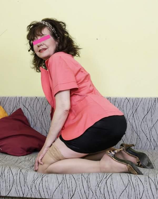 Donna matura per incontri a Bari terza foto