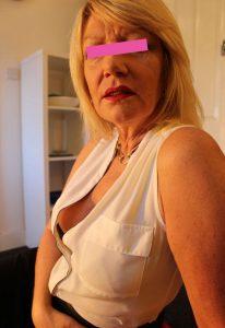 Donna matura per incontri a Cuneo prima foto