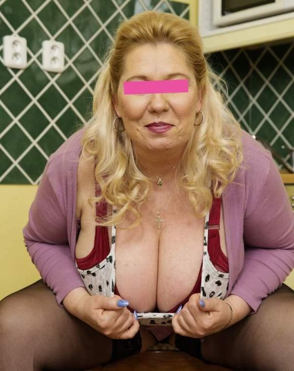 Donna matura per incontri a Trani seconda foto