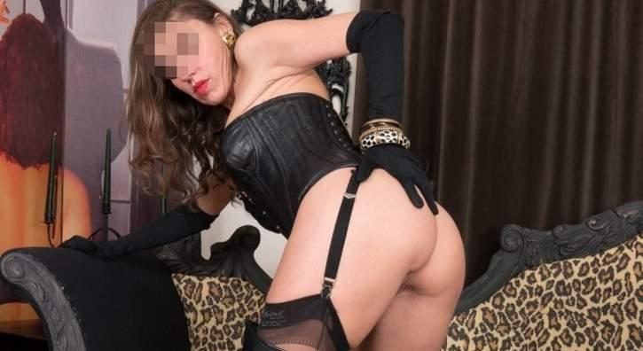 Mistress quarantenne per incontri di sesso a Milano
