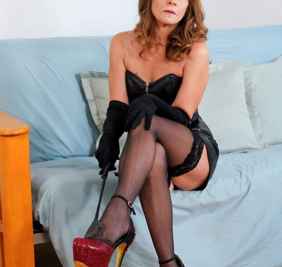 Sexy mistress incontra slave ad Aosta